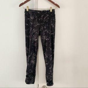 LULULEMON Patterned leggings s4 mid calf length